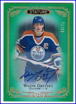 19/20 2019 Ud Stature Wayne Gretzky #99 Autograph Auto Green /25 Edmonton Oilers