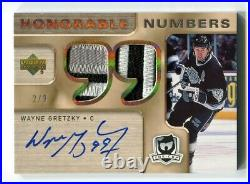 2005-06 The Cup Honorable Numbers 2/9 Wayne Gretzky Autograph 3-2 Clrs Patch SSP