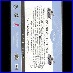 2011-12 The Cup Signatures Wayne Gretzky / Joe Sakic Patch Auto, Autograph 34/35