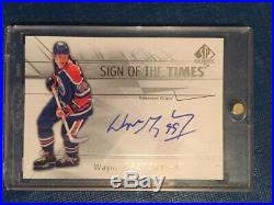 2016-17 SPA Sign of the Times Wayne Gretzky Autograph