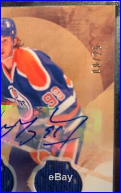 2016-17 UD Artifacts Wayne Gretzky Autograph Dual Patch 8/25 Edmonton Oilers HOF