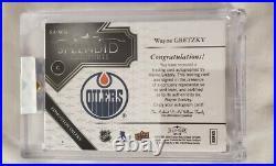 2017-18 UD Splendid Signatures Wayne Gretzky Auto #1/24