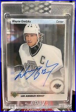 2018-19 UD Clear Cut Autograph Wayne Gretzky Auto Acetate Sealed 91T-WG Kings