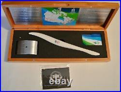 Autographed Uda Le9 Wayne Gretzky Inscripted Birks 2010 Olympic Torch Box Set