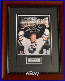 Autographed Wga Wayne Gretzky Cup Over Head Framed 8x10