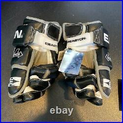 Beautiful Wayne Gretzky Signed Game Model Easton Hockey Gloves UDA Upper Deck