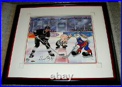 NHL Wayne Gretzky & Bugs Bunny Autographed Warner Bros The Great Ones withCOA