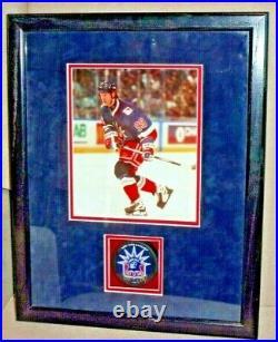 WAYNE GRETZKY Autographed Puck New York Rangers Beautifully Displayed COA