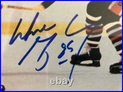 WAYNE GRETZKY Signed 1977-1979 (79) Sportscaster RC Rookie Card Auto PSA DNA