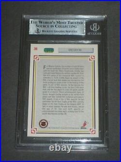 WAYNE GRETZKY Signed 1991-92 UPPER DECK Card #38 Beckett Slabbed