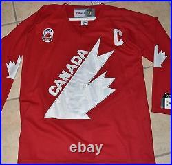 WAYNE GRETZKY Signed 91 TEAM CANADA JERSEY LARGE 50-FULL LETTER COA