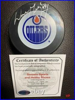 WAYNE GRETZKY Signed Autographed Edmonton Oilers InGlasCo Vintage Hockey Puck
