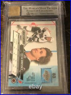 Wayne Gretzky 92-93 Fleer Ultra 16-17 Fleer Showcase Buybacks BGS 9/10 POP 1