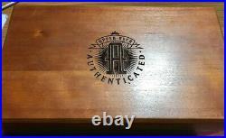 Wayne Gretzky & Gordie Howe Autographed Pucks UDA Certified RARE SET in BOX