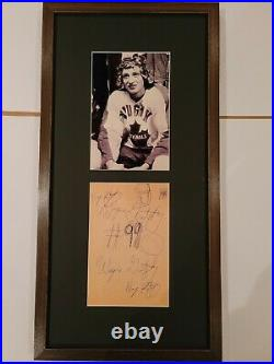 Wayne Gretzky Holy Grail of his Autograph Auto Signed Amazing