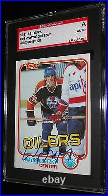 Wayne Gretzky Oilers 1981-82 Topps #16 Vintage Autographed Card Signed Sgc