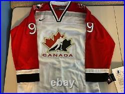 Wayne Gretzky Signed Nike Canada Hockey Jersey Beckett Loa Very Rare Autograph