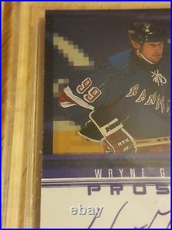 Wayne Gretzky Signed Upper Deck 98-99 Prosign WG Beckett 9 Autograph 10 COA