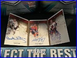 Wayne Gretzky The Cup Legends Booklet 9/9 Auto Gretzky/Orr/Roy