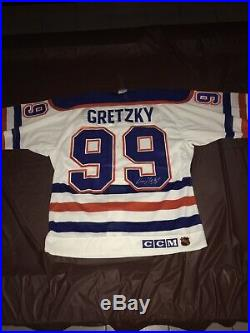 Wayne gretzky Autographed Oilers Jersey